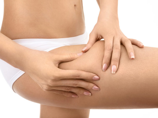 dieta contro ritenzione idrica cibi rimedi efficaci combattere eliminare problema gambe caviglie gonfie